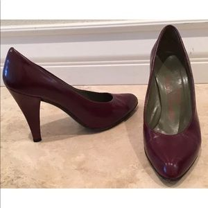 CHARLES JOURDAN Leather Classic Pumps Paris France